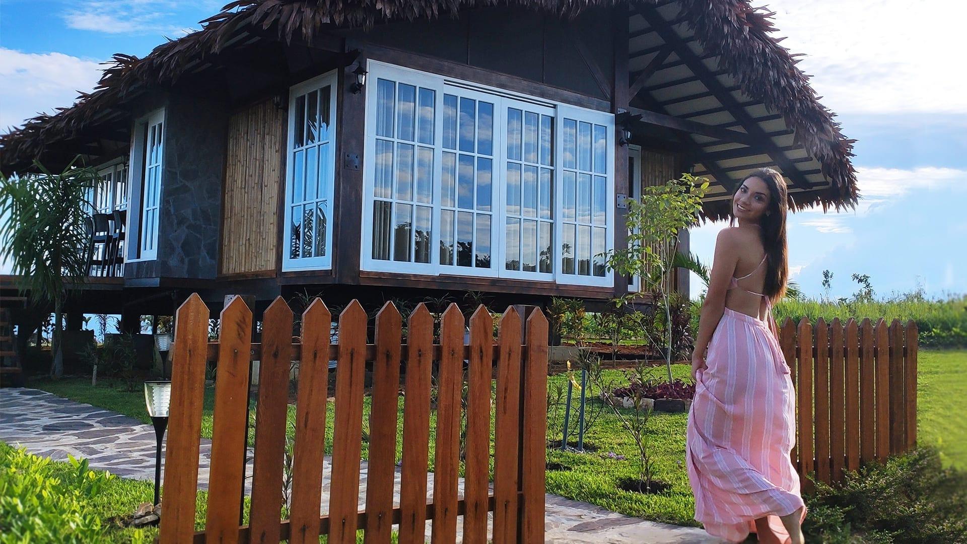 Visita de Maricielo Gamarra (Miss San Martín) a nuestra casa modelo en Yanashpa Village, Tarapoto
